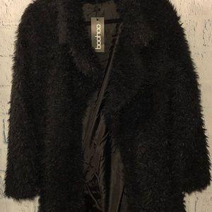 BOOHOO: Black shaggy faux fur coat. Size 6